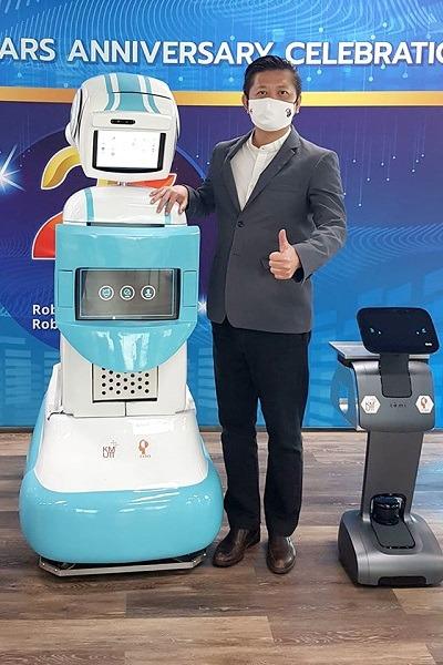 """แอพพลิแคด ร่วมเป็นส่วนหนึ่งส่งมอบ ชุดระบบหุ่นยนต์ """"มดบริรักษ์"""" แก่โรงพยาบาล"""